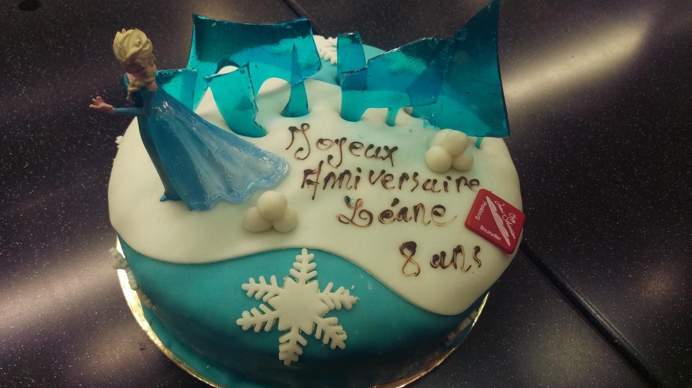 """Gâteau """"Reine des neiges"""" aux choix"""